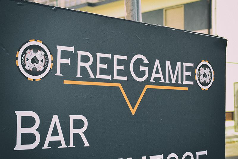 Free Game - Insegna Servizi